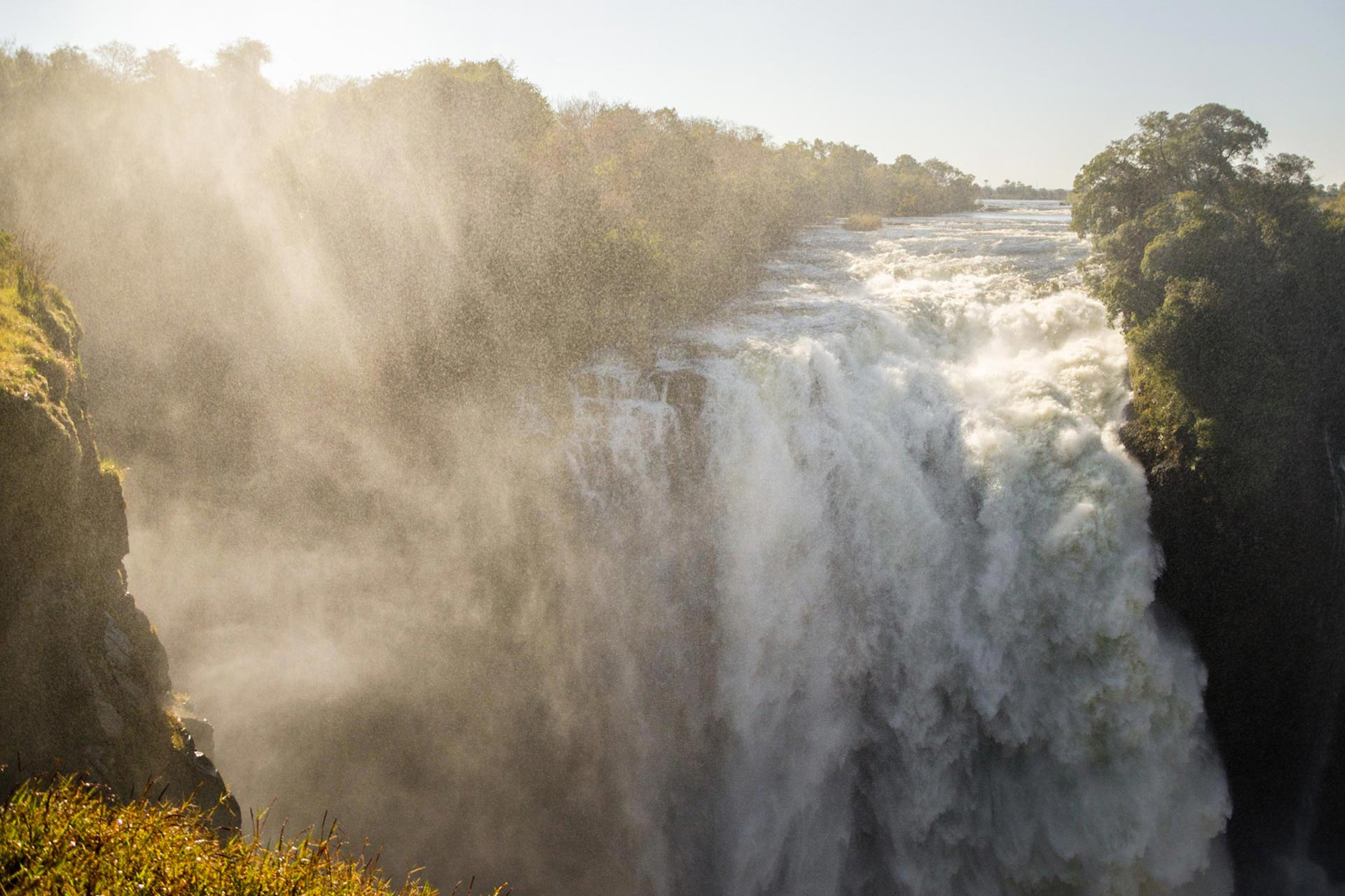 Tour & Safari Destination - Zimbabwe - Of ancient ruins and wild places
